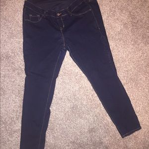 Old Navy Jeans - Full panel maternity jeans
